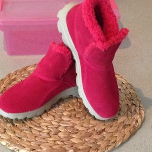 Sketchers Hot Pink Booties NWOT